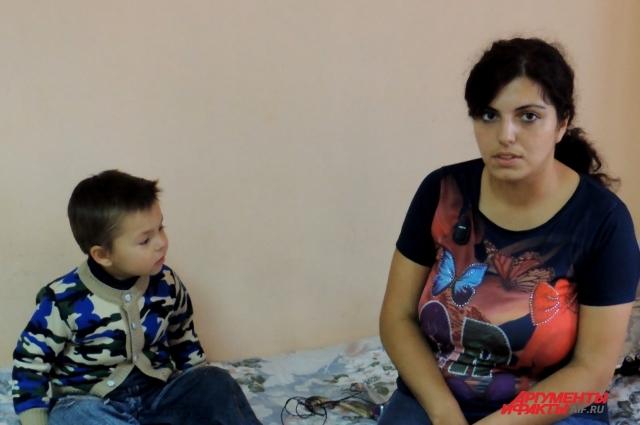 Хатуна надеется получить помощь, как и другие пострадавшие во время взрыва в жилом доме на улице Космонавтов в Волгограде.