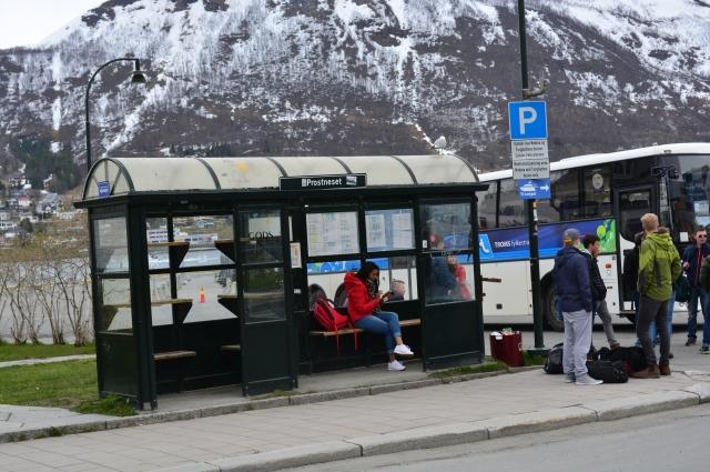 ...а так - в норвежском Тромсё. Здесь есть даже полки для сумок.