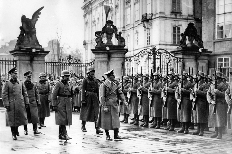 Гитлер в Праге