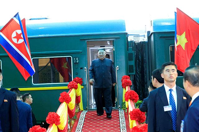 Прибытие Ким Чен Ына во Вьетнам.