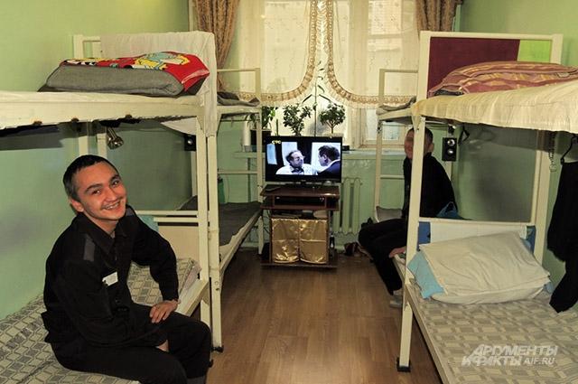 Секцией называют комнату, где живёт несколько заключённых