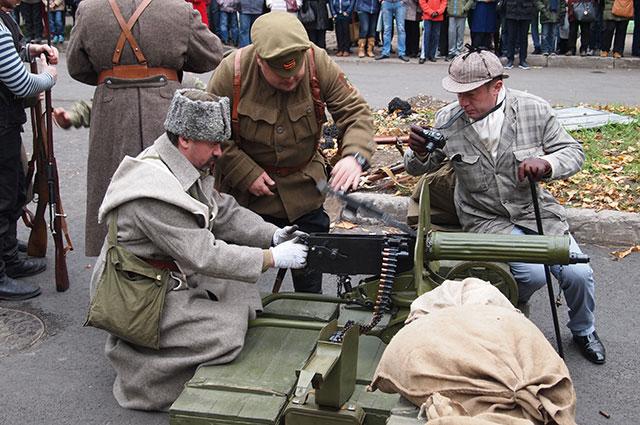 Пулеметный огонь в городских условиях решал исход битвы.