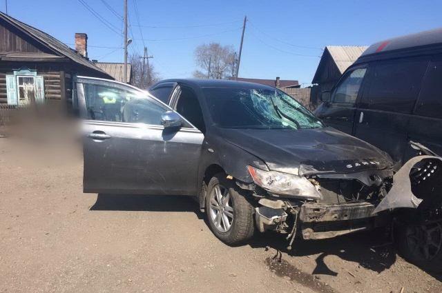 Причастный к смертельному ДТП оставил автомобиль на месте аварии и скрылся.