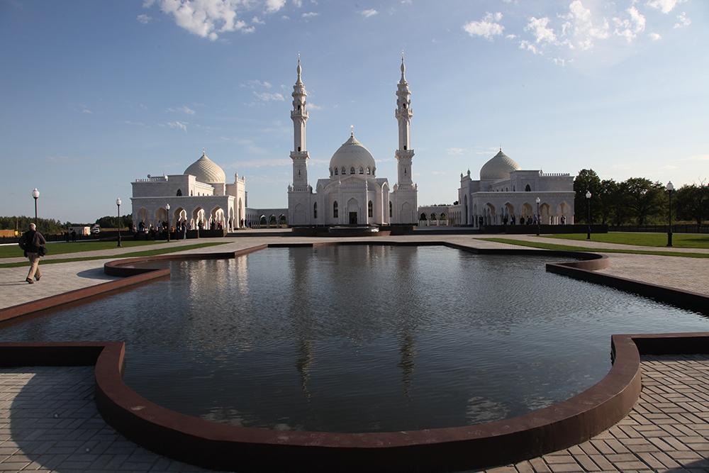 Белая мечеть.