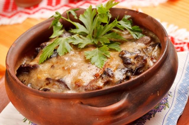 Нежнейшее жаркое с грибами можно приготовить всего за час.