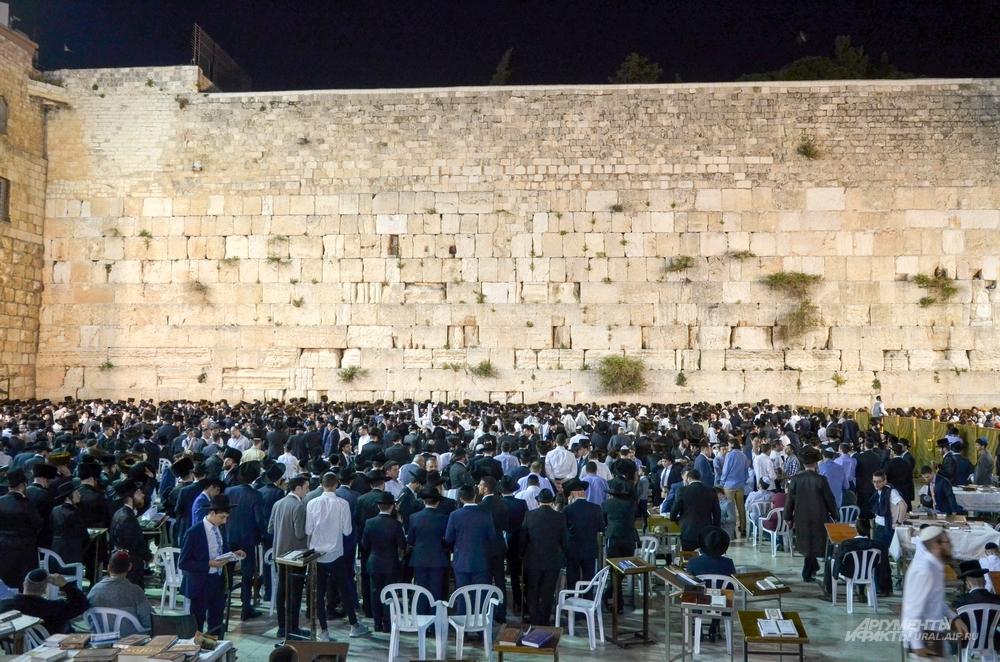Шаббат у Стены плача в Иерусалиме.