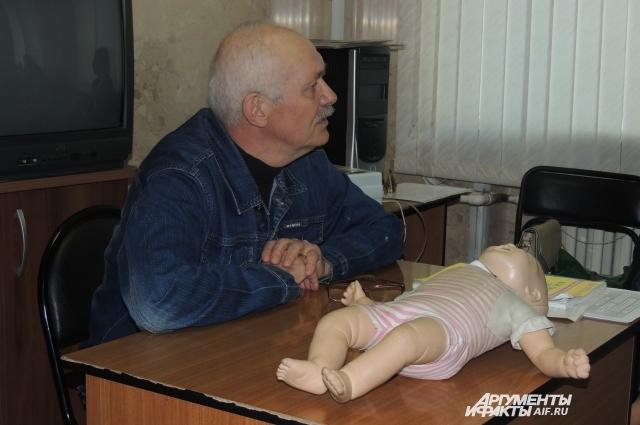 Военный врач уверен, что каждый здравомыслящий человек должен уметь оказывать первую помощь.