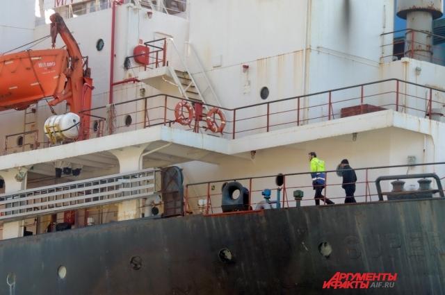На «Рио» ещё остались несколько членов экипажа.