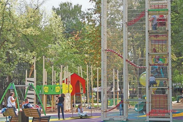 Новые детские площадки ждут маленьких жителей Котловки.