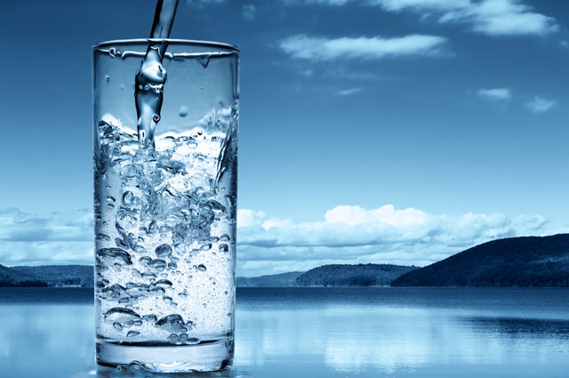 Минеральная вода, минералка, стакан, вода