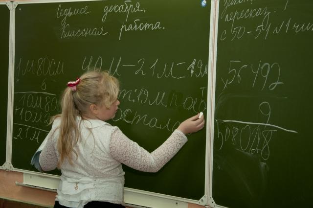 Повторением пройденного школьники будут заниматься до конца года.