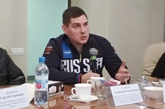 Александр Кузюков после травмы занялся спортом.