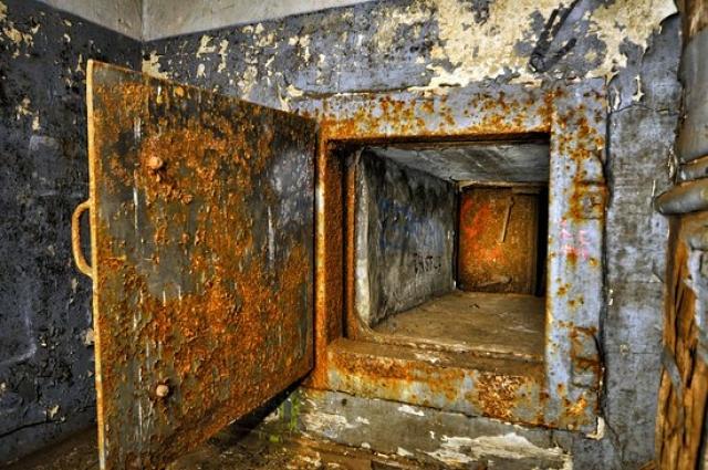 Бункер находится в заброшенном состоянии.