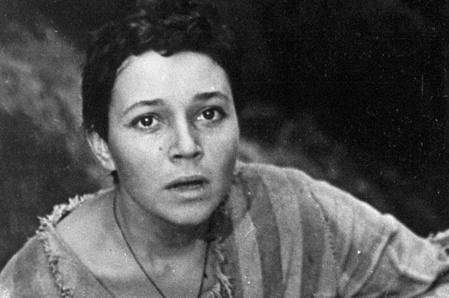 Любовь Румянцева вроли Джулии вхудожественном фильме «Альпийская баллада».