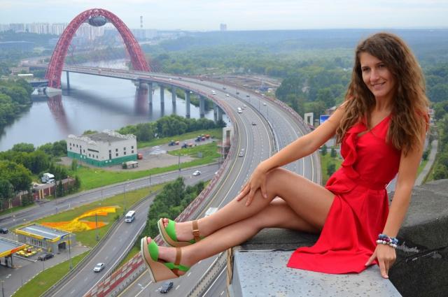 Сначала Ольге было страшно, но теперь девушка жить не может без вылазок на крыши.