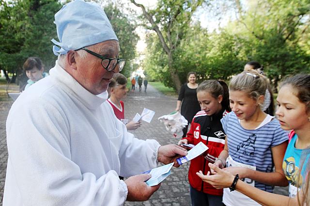 Детей радовал доктор из сказок.