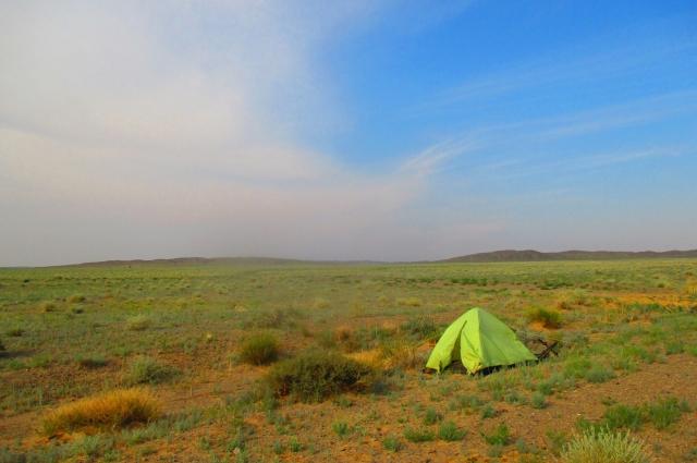 Отдых в монгольской степи.