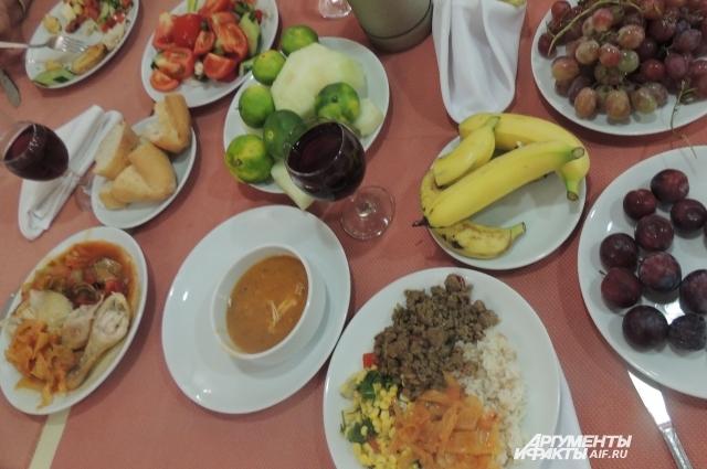 Турецкие сотрудники отелей признаются: именно россияне набирают столько еды, что хватит прокормить маленькую провинцию.