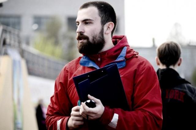 Мастер спорта в толкании ядра Александр Крутиков.
