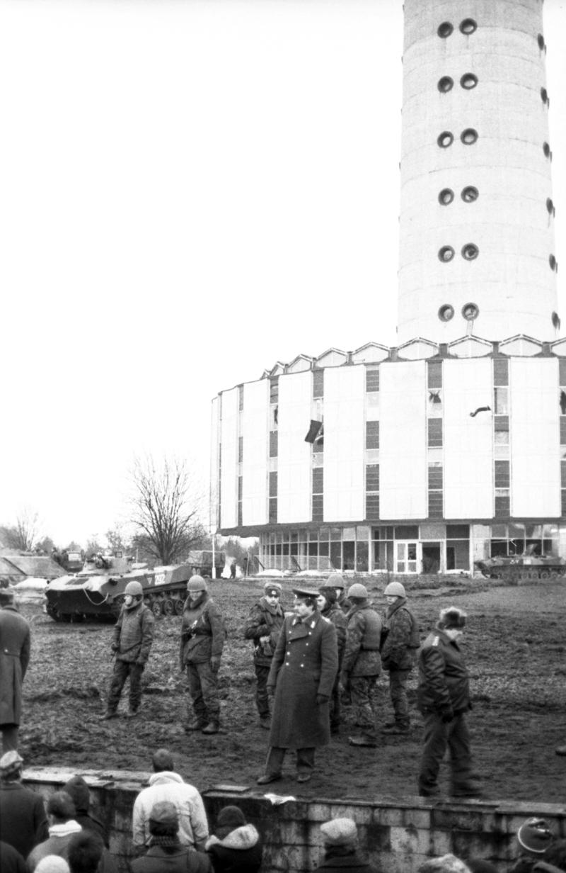 События в Вильнюсе 11— 13 января 1991 года. У вильнюсской телебашни.