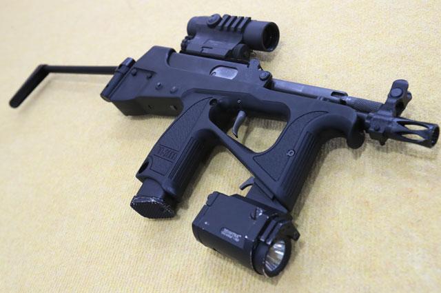 9-мм пистолет-пулемёт ПП-2000на Международном военно-техническом форуме «Армия-2019».