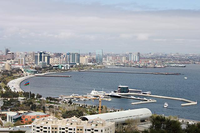 Баку крупнейший город на Каспийском море