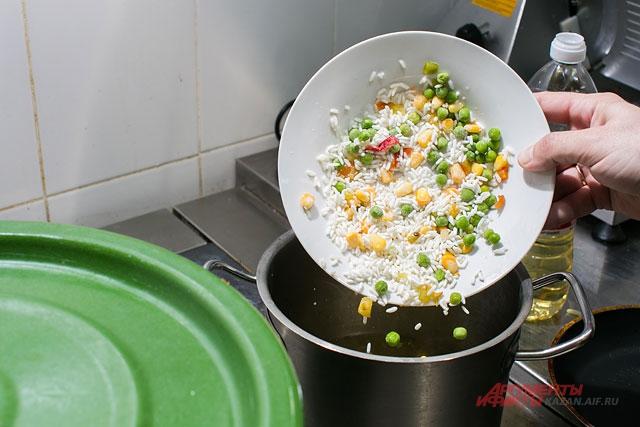 офисная еда, еда на работе, как приготовить обед на работу, шеф-повар, кухня
