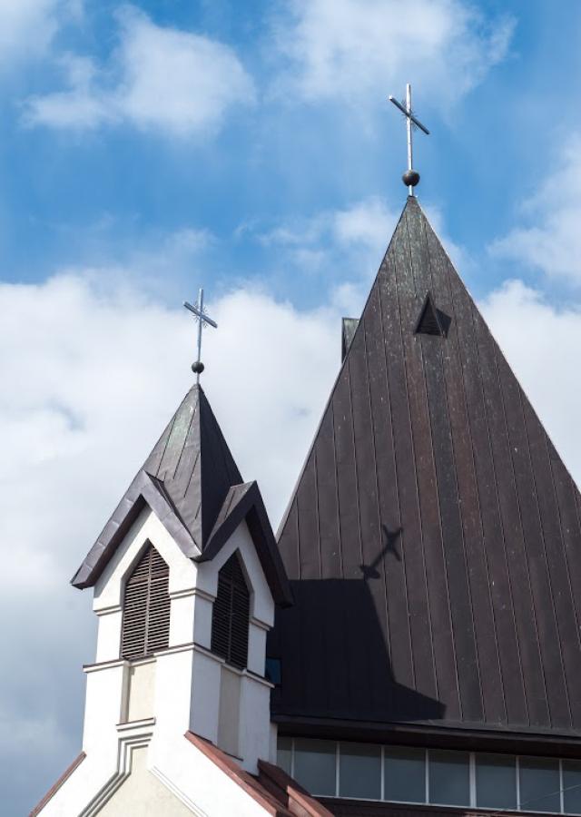 Католический храм в Пскове.