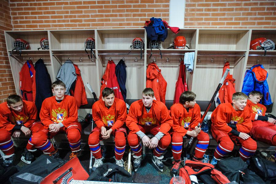 Теперь в лучших хоккейных клубах страны могут появиться и воспитанники нововоронежского хоккея.