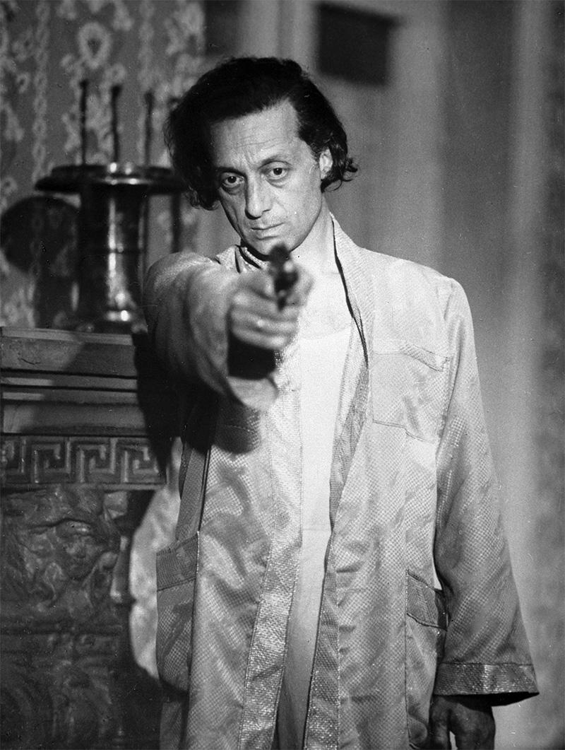 Нодар Мгалоблишвили в роли Сандро на съемках фильма «О чем поет сосед» режиссера Гурама Петриашвили. 1980 г.