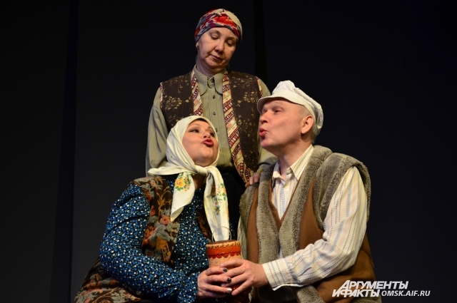 Ольга Серман (слева) играла во всех спектаклях театра по Шукшину.