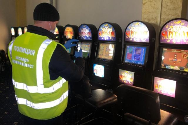 Полицейские изъяли игровые автоматы и технику, которую использовали для азартных игр.