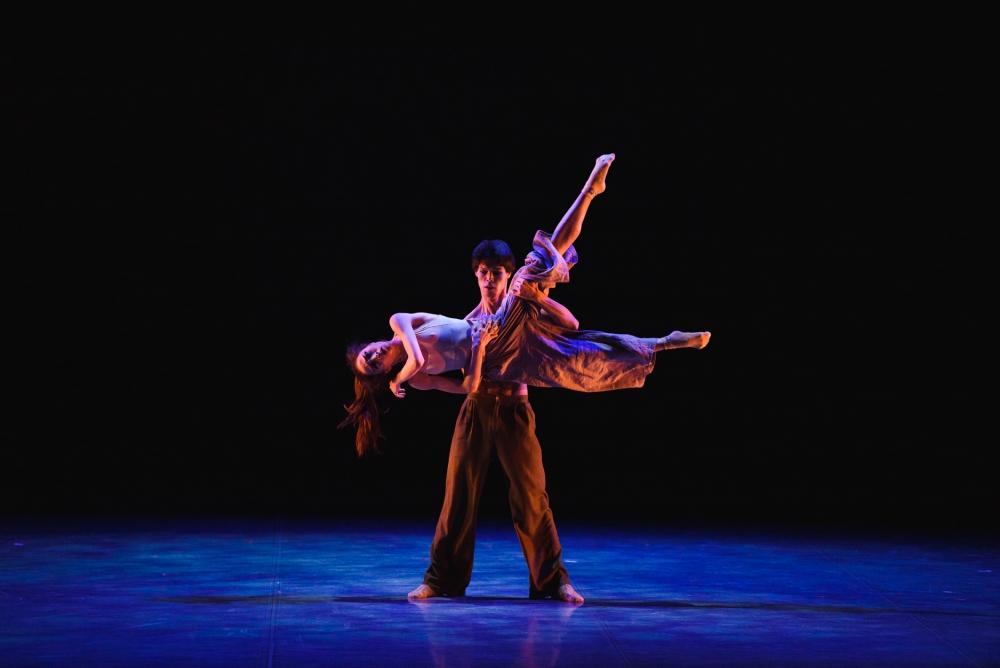 Лири Вакабаяси и Кубаныч Шамакеев. Номер современной хореографии «Наедине»