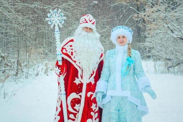 Новогодние герои приглашают омичей в Большеречье.