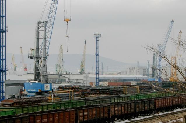 Инфраструктура железной дороги развивается синхронно с портами.