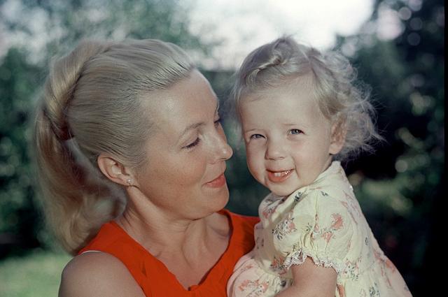 Вия Артмане с дочерью Кристианой