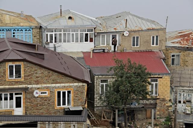Что для одного кубачинца крыша, то для другого - двор.
