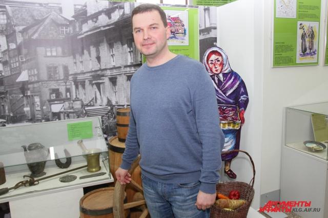 Юмор не раз выручал Александра Макарычева из сложных ситуаций.
