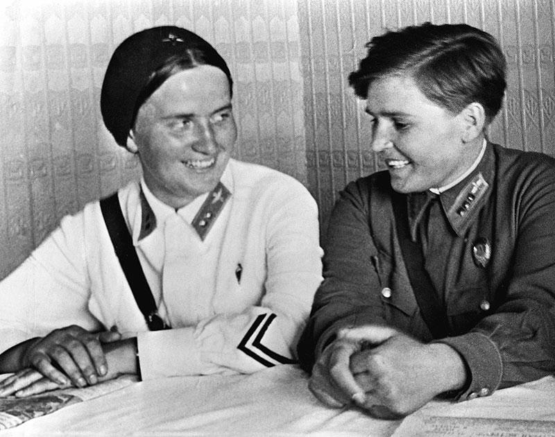 Марина Раскова и Полина Осипенко. 1938г.