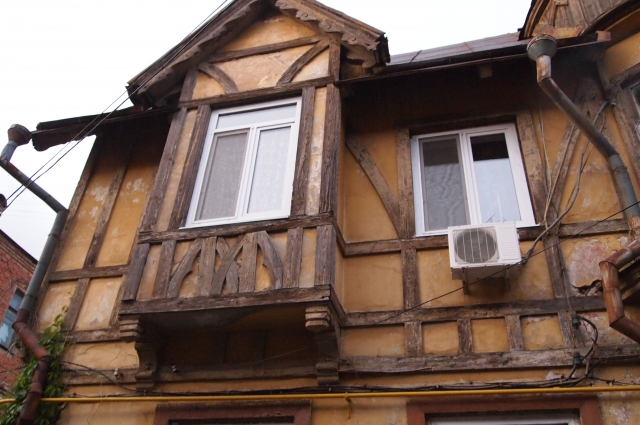 Старинный дом может не дождаться ремонта.