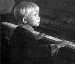 Александра Пахмутова, 1930 годы.