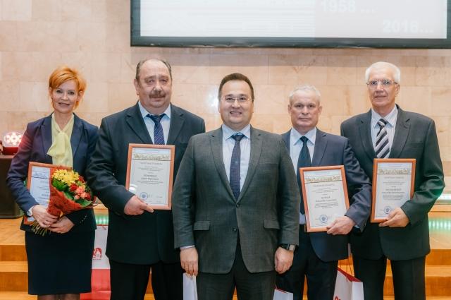 Нефтепереработчики, награждённые Почетной грамотой Министерства энергетики РФ.