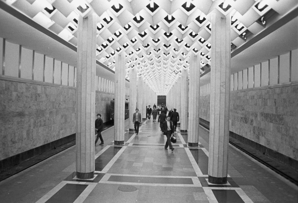 Станция бакинского метро «Улдуз».