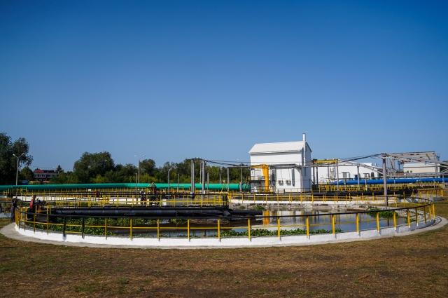 В сутки блок  доочистки сточных вод с технологией мембранного биореактора максимально пропускает через себя от 60 до 80 тысяч кубометров воды.