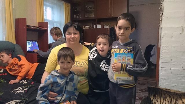 Маргарита с приёмными мальчиками