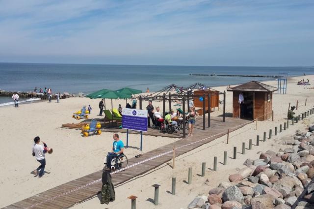 А вот в Калининграде такой пляж все-таки удалось оборудовать.