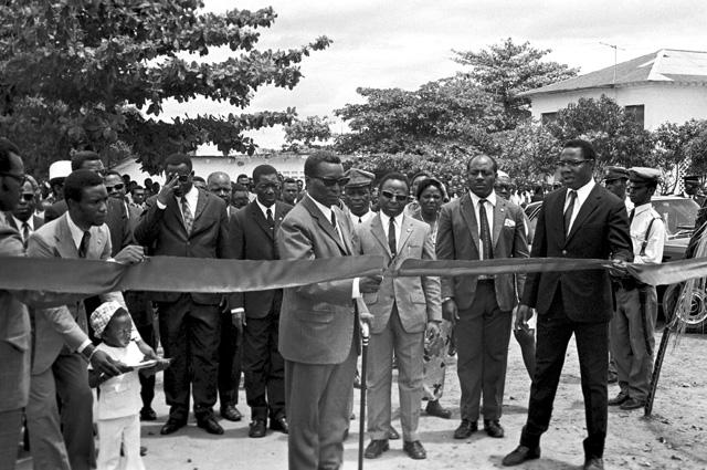 Президент Франсиско Масиас Нгема на церемонии открытия нового административного здания. 1973 г.