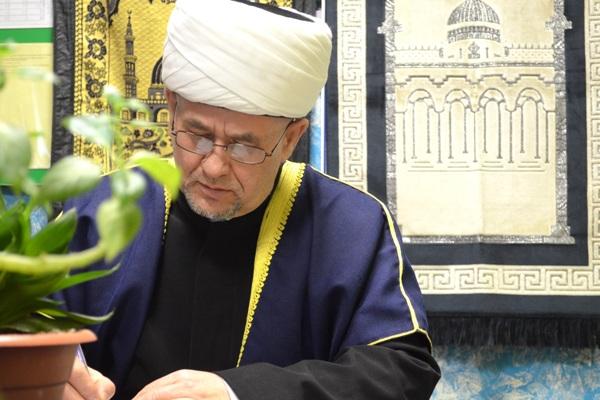 Обряд проводил председатель Духовного управления мусульман Республики Коми Валиахмад хазрат Гаязов.