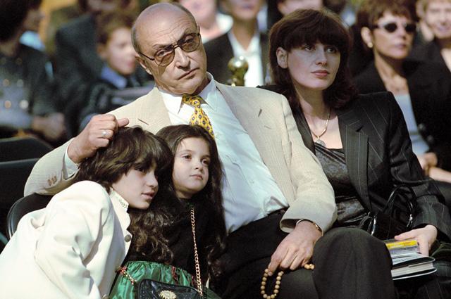 Михаил Козаков с женой Анной Ямпольской и детьми. 1999 г.