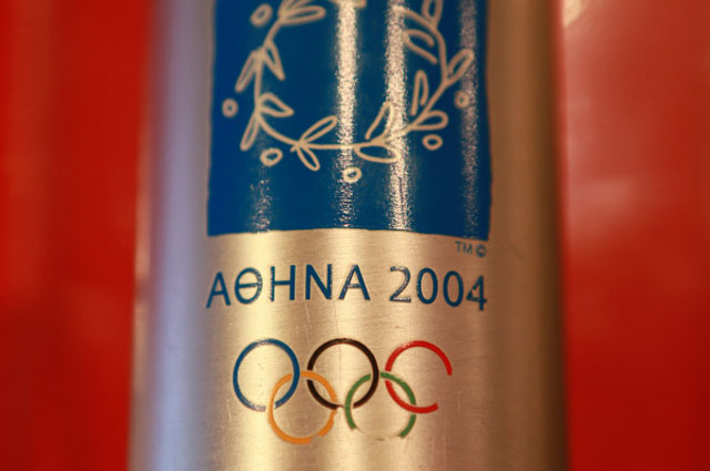 Факел афинской Олимпиады 2004 года
